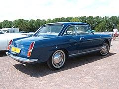 [Jeu] qui est kéké, ou le j'aime, j'aime pas  - Page 3 240px-Peugeot404-coupe-3