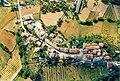 Pieve di Compresseto, vista dal deltaplano.jpg