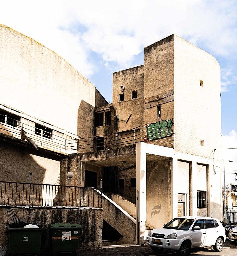 מבנה קולנוע הדר למזרח