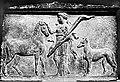 Plaque votive figurant Artémis ou Hécate.jpg