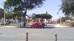 Plaza moderna de pisco.jpg