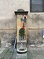 Pompe Eau Place Prieuré Marcigny 1.jpg