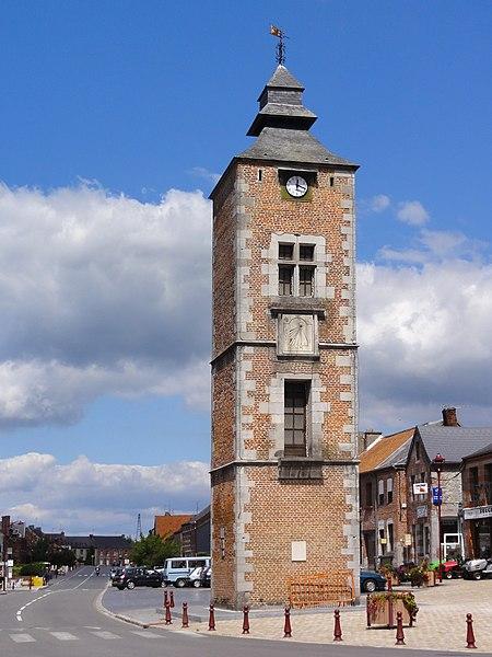 Ancienne tour du Guet, à Pont-sur-Sambre (Nord, France).
