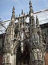 Porche de l'église de Louviers.jpg