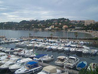 Beaulieu-sur-Mer - View of the port of Beaulieu-sur-Mer