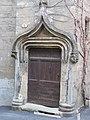 Porte de l'hôtel de Graves Pézenas.jpg