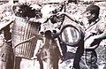 Preskrbovanje borcev 1. in 2. prekomorske brigade na položajih na dalmatinskih otokih.jpg