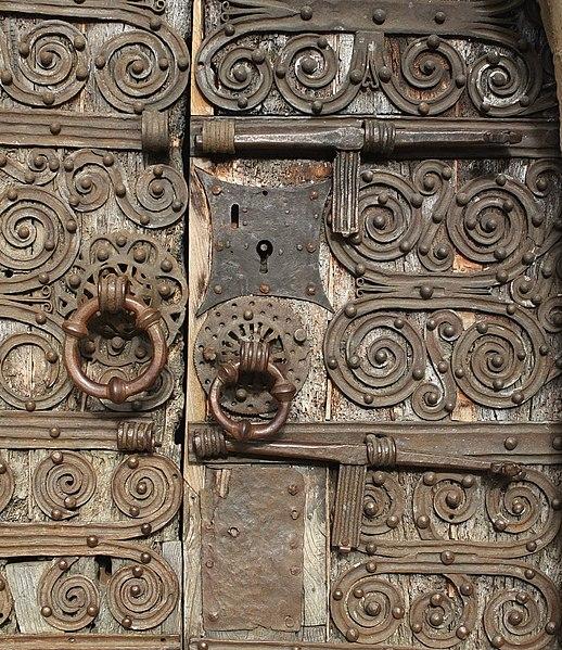 File:Prunet-et-Belpuig La Trinité door lock.jpg