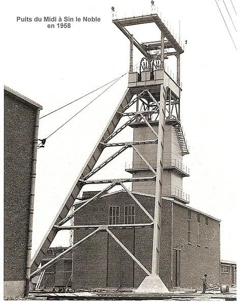 File:Puits du Midi à Sin le Noble en 1958.jpg