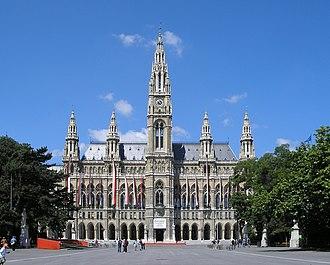 Innere Stadt - Image: Rathaus Vienna June 2006 165