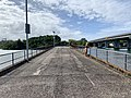 Retained section of old bridge over Tweed River, Chinderah, New South Wales 02.jpg