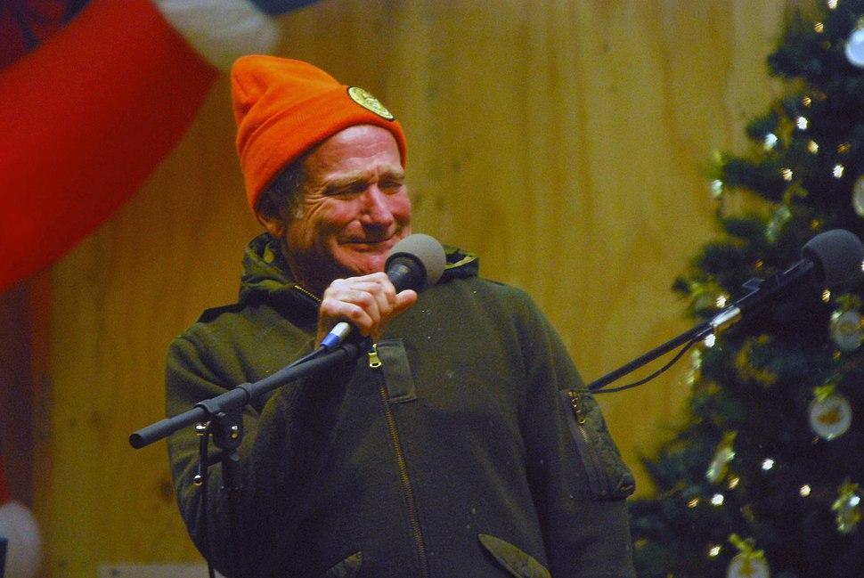Robin Williams in Camp Phoenix