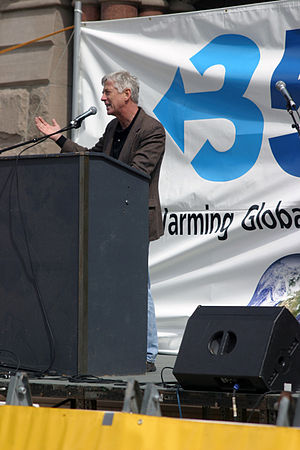 Rocky Anderson - Anderson addressing a 350.org gathering on global warming awareness.