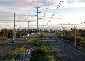 Roe Highway at the Nicholson Road exit. Roe Highway Thornlie Southward SMC.jpg