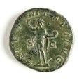 Romerskt bronsmynt med guden Sol, 241-243 - Skoklosters slott - 110741.tif