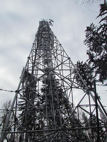 File:Rozhledna Tobiášův vrch 02.JPG