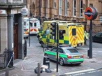 倫敦七七爆炸案後一輛前往羅素廣場支援的救護車。