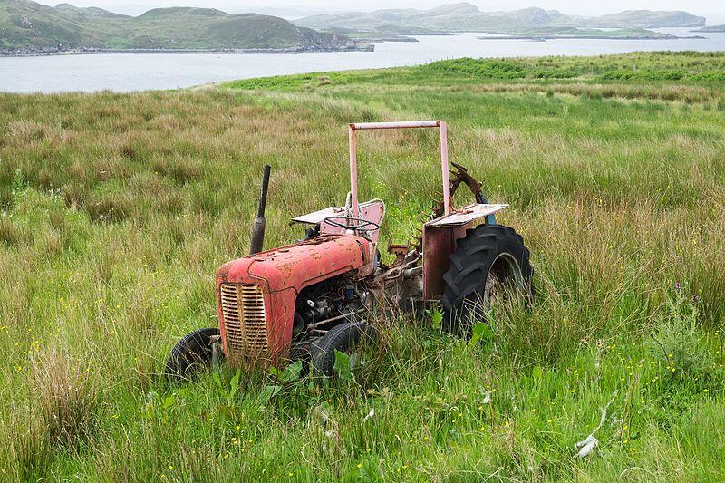 File:Rusty tractor.jpg