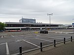 Ruzyně, letiště, terminál 1, přes parkoviště P1.jpg