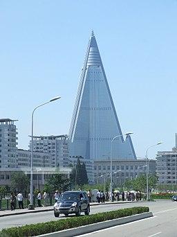 Ryugyong Hotel 02