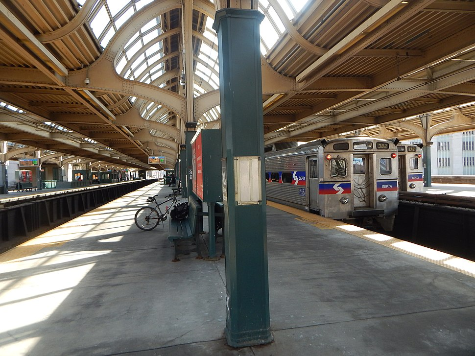 SEPTA trains at 30th Street Station upper level, March 2015