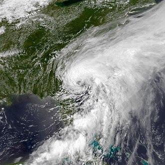 1982 Atlantic hurricane season - Image: STS 1 1982 Jun 18 1942Z