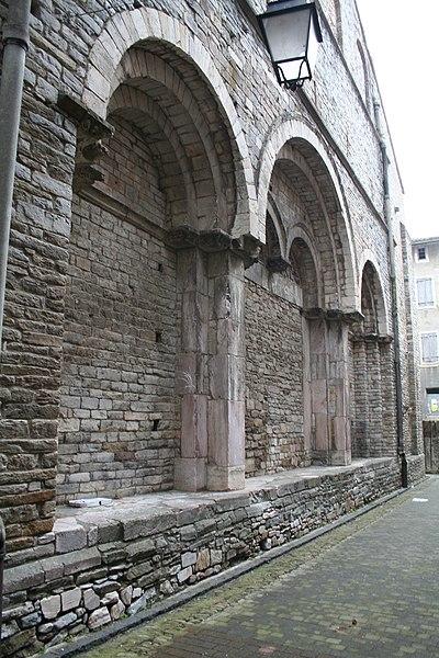 Saint-Pons-de-Thomières (Hérault)- cathédrale - portail primitif