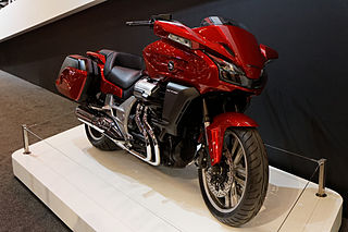 CTX 1300 Red