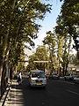 Sammeltaxi auf der Valiye Asr Straße.JPG