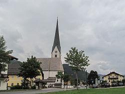 Sankt Martin, kerk in straatzicht foto1 2011-07-28 11.17.JPG