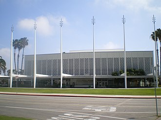 Welton Becket - The 3,000-seat Santa Monica Civic Auditorium, Project Designer Lou Naidorf, opened in 1958.
