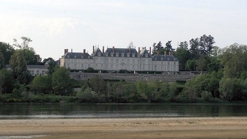 """Exposition """"Marigny, ministre des arts au château de Ménars"""" 800px-SchlossMenars01"""