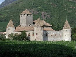 Castel Mareccio - Wikipedia