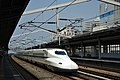 Shinkansen N700 (8086224134).jpg