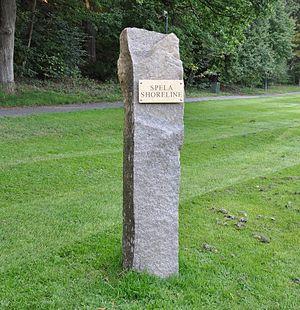 Shoreline memorial - The memorial, in Slottsskogen.