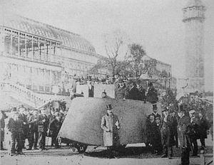 Motor War Car - Simms' Motor War Car at the Crystal Palace, London, April 1902.