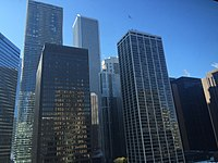 Skyscrapers in Chicago, including the AON Center, Chicago, IL 11-22-15.jpg
