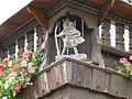 Smaning (Holzschnitzerei, Hl.Christophorus mit Jesus-Kind, Bahnhofstr.11, 11.07.13).JPG
