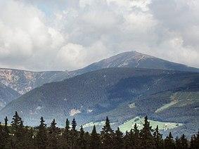 Sněžka (pohled z Černé hory)
