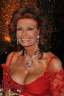 Sophia Loren in June 2009.jpg