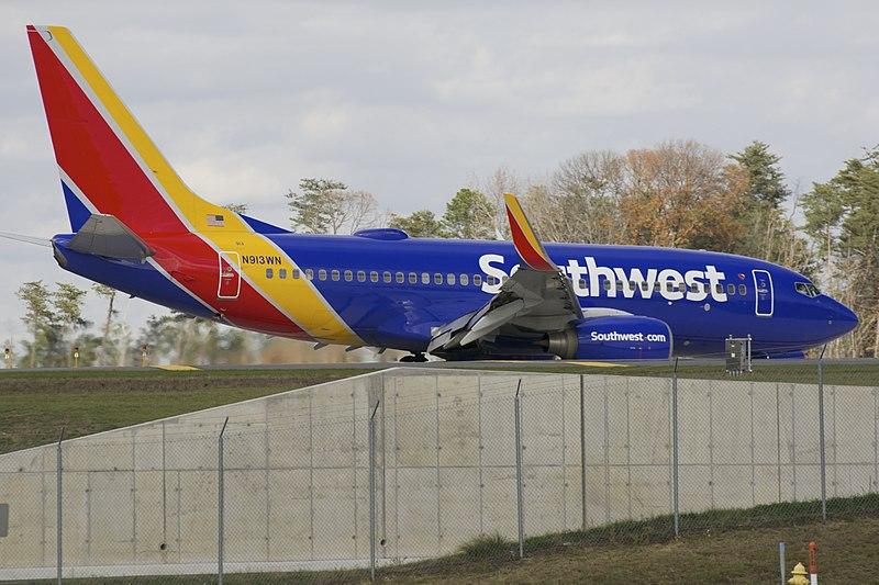 File:Southwest 737-700 N913WN.jpg