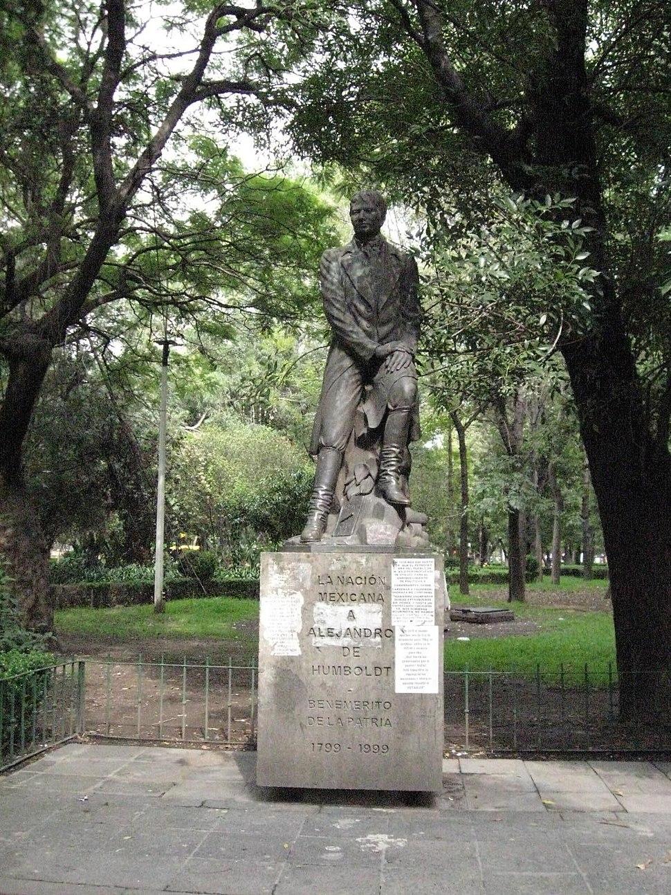 StatueAlexHumboldtMexico