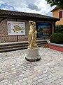 Statue Bacchus Place Jean Blanc Vonnas 1.jpg