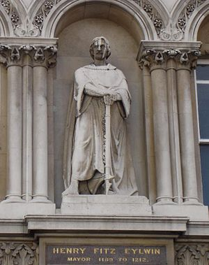 Henry fitz Ailwin - Image: Statue Of Henry Fitz Eylwin Holborn Viaduct