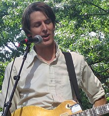 Stephen Malkmus on 4 July 2005 at the River To River Festival show in Battery Park in New York City