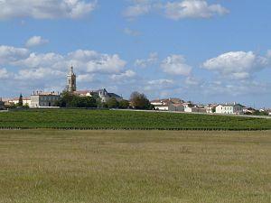 Saint-Estèphe, Gironde - Image: Stestephe 33 vue