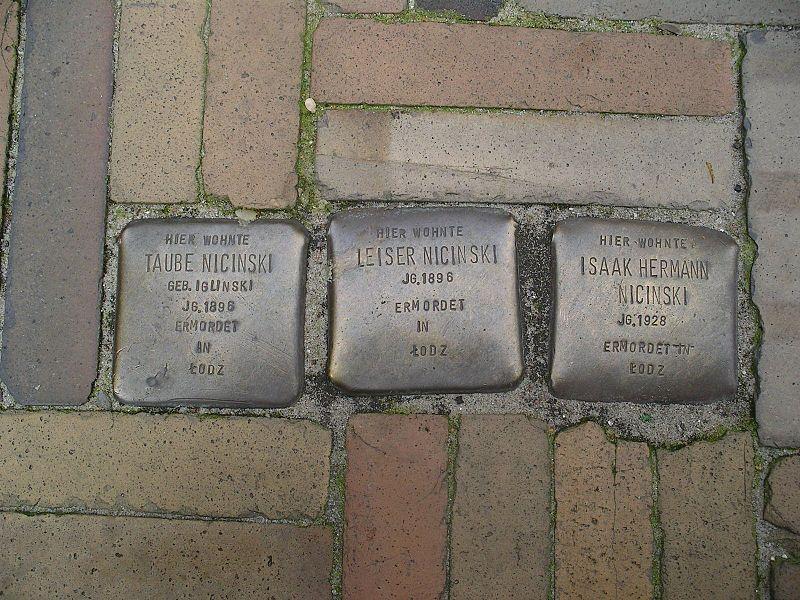 File:Stolpersteine Flensburg Nicinski.jpg
