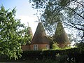 Stonewall Oast House, East Street, Hunton, Kent - geograph.org.uk - 330672.jpg