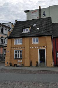 Stralsund, Fährstraße 17, Ecke Fährwall, Gaststätte Zur Fähre (2012-03-04), by Klugschnacker in Wikipedia.jpg