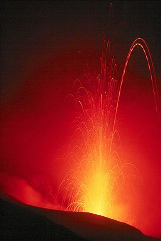 Le Meraviglie della Natura 322px-Stromboli_Eruption